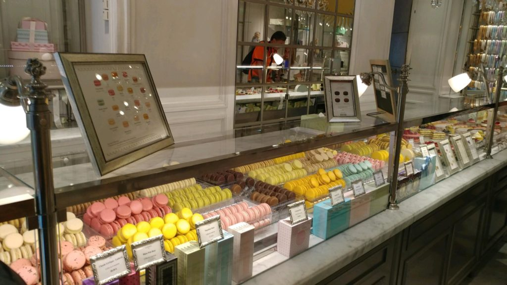 3 days in paris france chocolate macaroon shopping parks museums