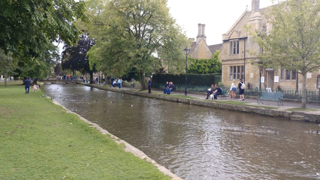 walking the cotswolds venice of england