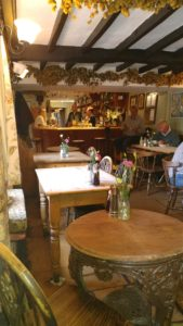 black horse pub england