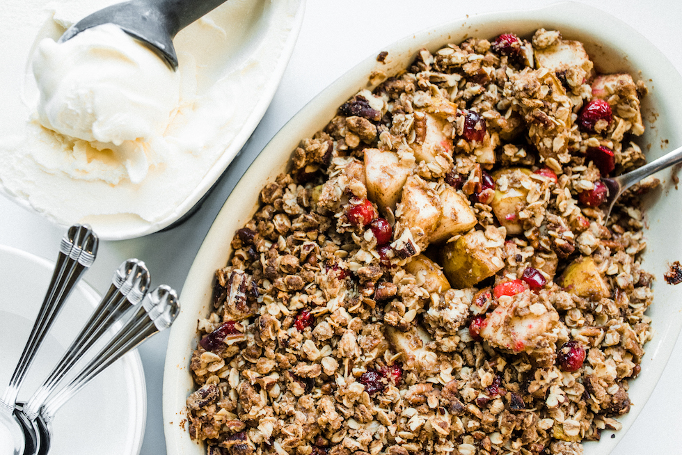 Pear crisp with ice cream