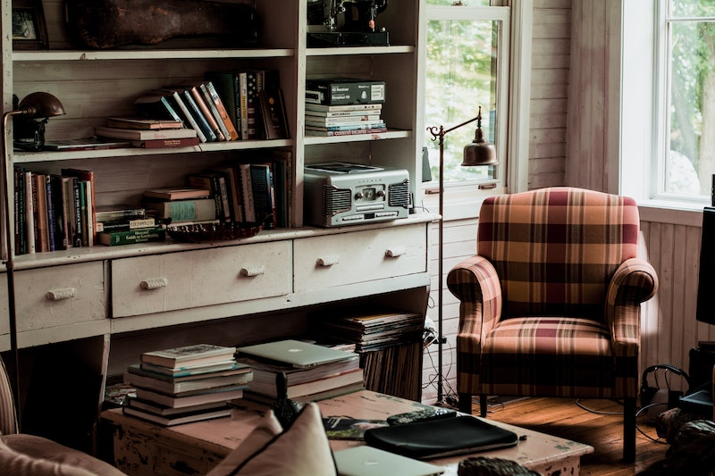 Fall Routines - A spruced up, cozy livingroom with books