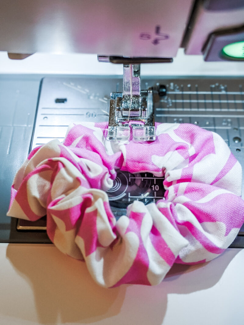 sewing the completed easy diy scrunchies